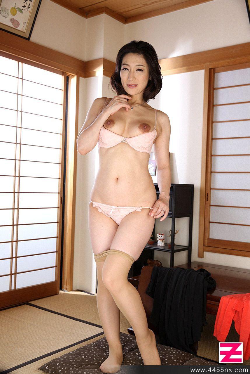 【三日月】パンストのつま先 part24【nude】 [無断転載禁止]©bbspink.comYouTube動画>13本 ->画像>1075枚
